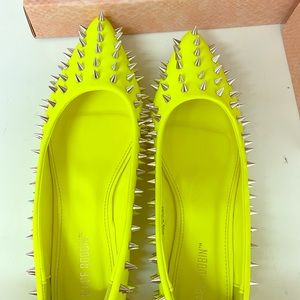 Cape robbin neon yellow spiked flats